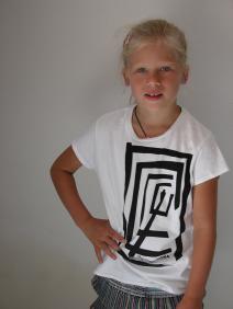 młodzieżowa koszulka z nadrukiem